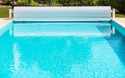 L'installation d'un volet roulant piscine